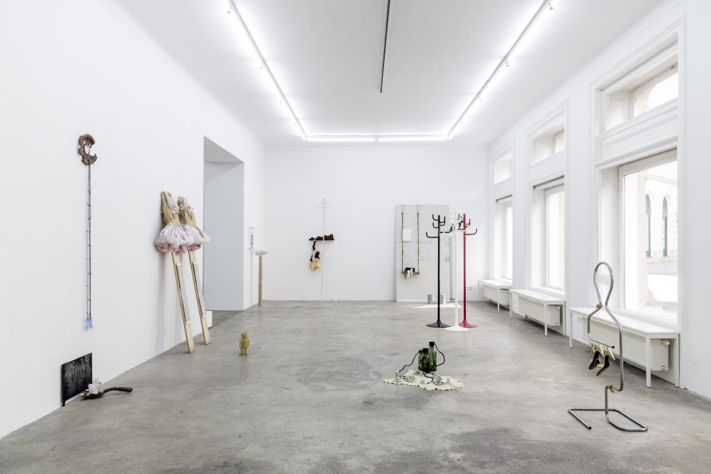 Sophie Jung, It's Not What It Looks Like, Exhibition View, Sophie Tappeiner, 2017.