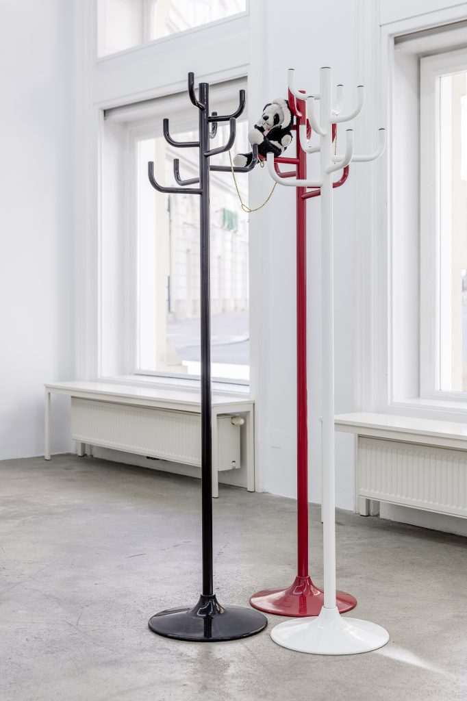 Sophie Jung, Lemme Tell You A Thing Or Two About Camouflage, 2017, Hatstands, Pandabear, magnets, dimensions variable. Photography: www.kunst-dokumentation.com. Courtesy: Sophie Tappeiner